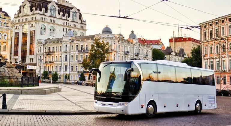 Mit unseren Tipps wird die Fernbusfahrt unschlagbar günstig